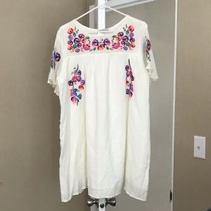 NWT Beautiful cream boutique dress